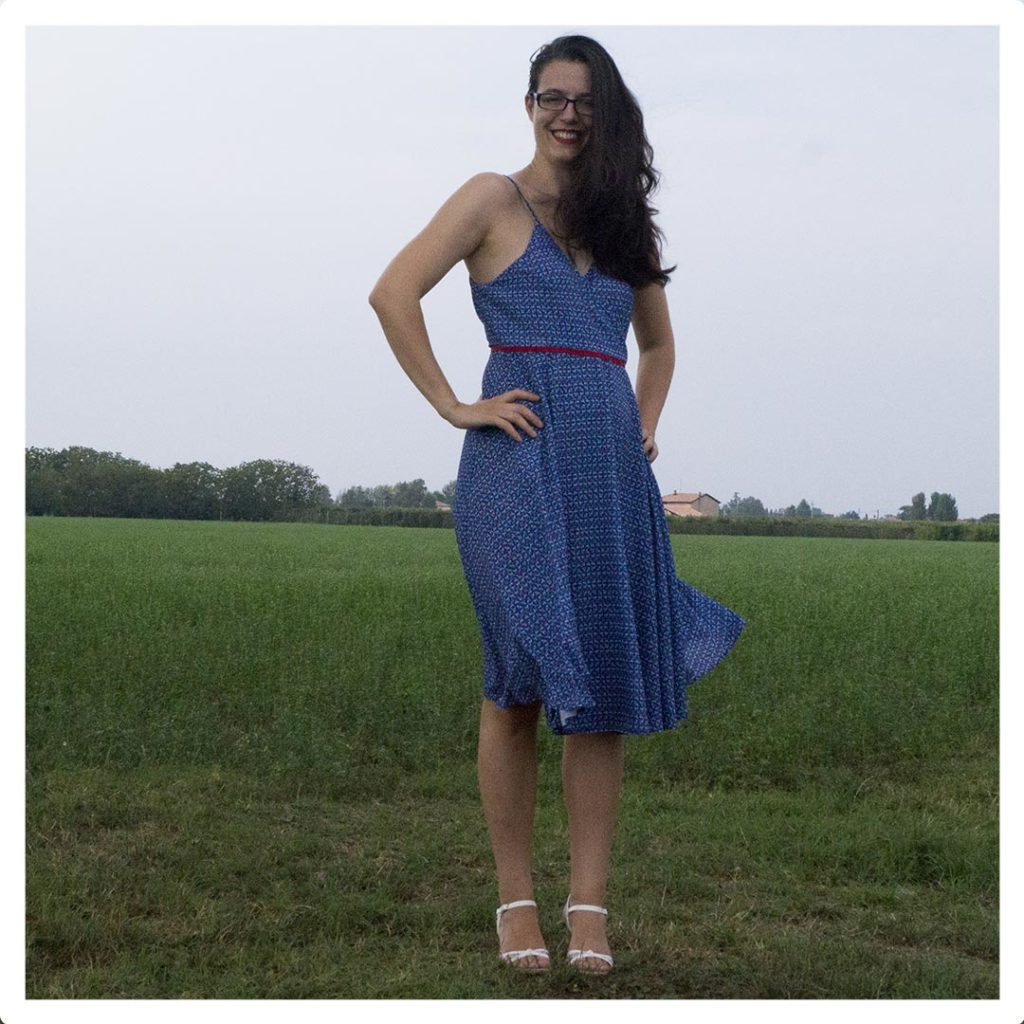 outlet store 492f3 f596f Il blu e il rosso: il vestito incrociato! - Di Nuvole Di Cuori
